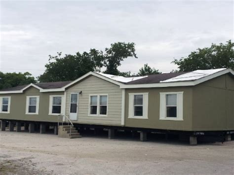 four bedroom mobile homes four bedroom two bath redman mobile home listing 1014