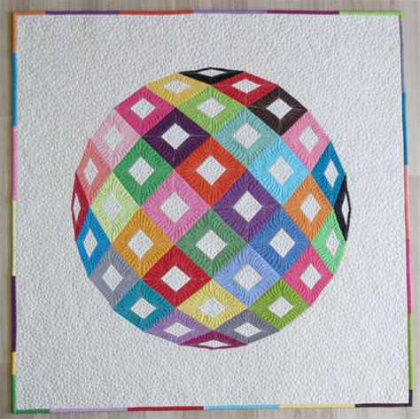 Piecing Patchwork Patterns - optical illusion paper pieced quilt pattern