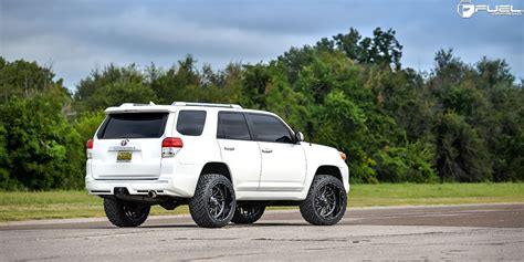 toyota 4runner road wheels get some size with this toyota 4runner on fuel rims