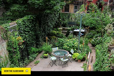 Space Of The Week Artist Alida Morgan S Garden Apartment Garden Design Nyc
