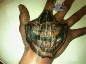 timelaps tattoo main tete de mort youtube