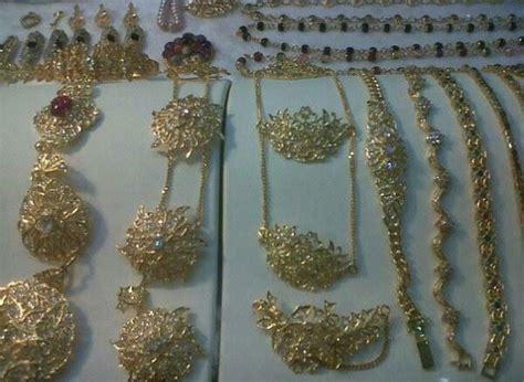 Kebaya Diamont Strait peranakan silver krosang 3xbrooches silver pendants