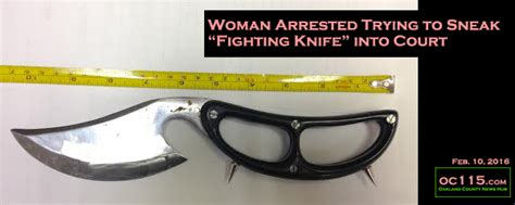 pontiac circuit court arrested trying to sneak fighting knife into court