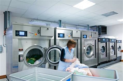 Commercial Laundries Maximize Perfomance Reduce Costs Commercial Laundry