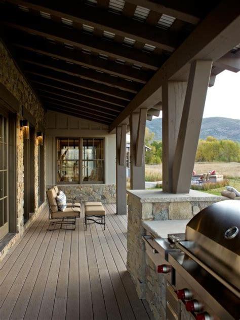 veranda holzboden traumhafte designer terrasse romantisches ambiente in