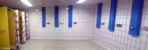 schwimmbad dusche binningen hallenbad duschraum
