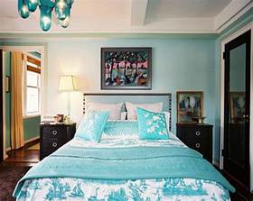 Tropical Themed Bedspreads - from navy to aqua summer decor in shades of blue