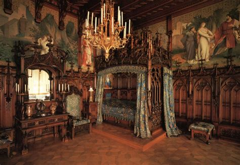 Medieval Home Decor Ideas | old castle bedroom furniture set design and decor ideas