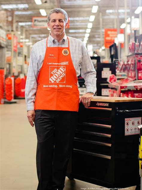 new home depot chairman and ceo menear s total