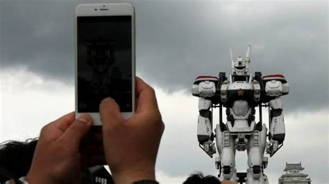 film robot mobil life size robot mecha built for mobile police patlabor