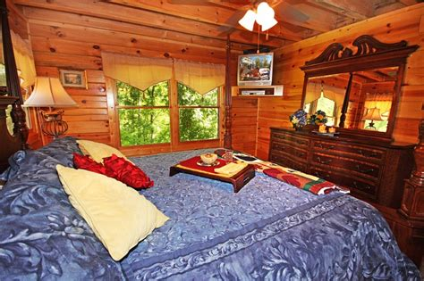 8 bedroom cabins in pigeon forge pigeon forge cabin mountain jewel 1 bedroom sleeps 8