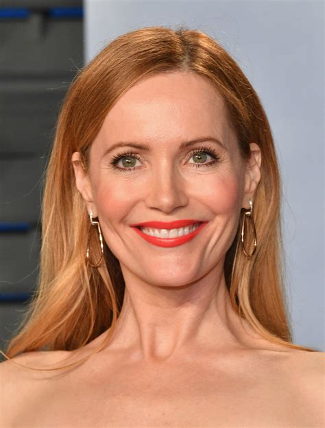 leslie mann short hair leslie mann long straight cut hair lookbook stylebistro