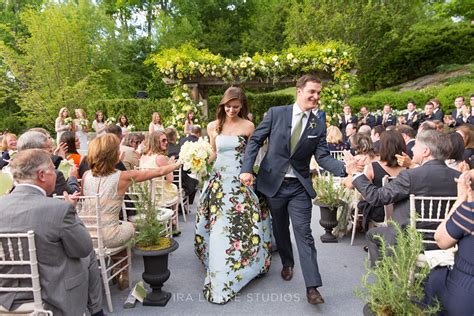 wedding invitations greenwich ct springtime wedding in greenwich ct sperry tents
