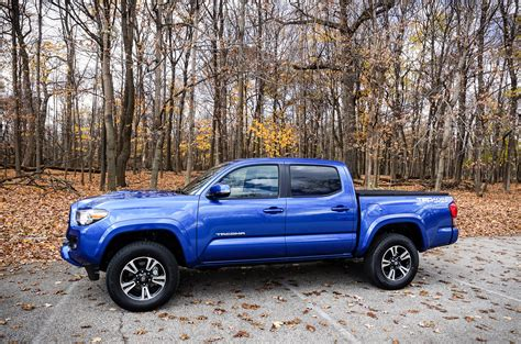 2016 toyota tacoma trd daily driving the 2016 toyota tacoma trd sport 4 215 4