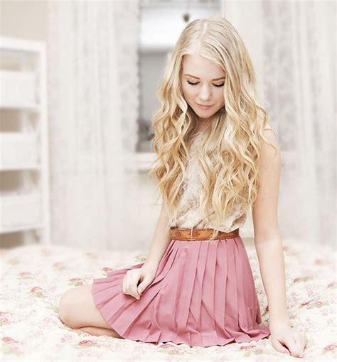 beautiful blonde girl pink image 519537 on favim com