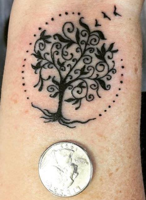 tatuaggi polso interno immagini oltre 25 fantastiche idee su tatuaggi polso interno su