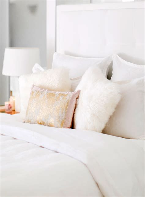 bed pillow ideas bed pillow decorating ideas decoratingspecial com