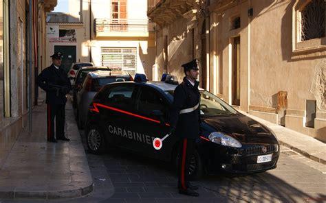 moglie a letto quot moglie 232 a letto con un altro quot ma i carabinieri