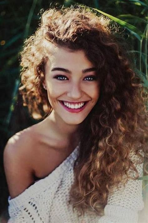 hair and makeup blogs 12 must follow beauty blogs for curly haired girls brit co
