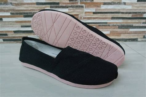 Flat Shoes Starbuana Model Wakai jual slip on original starbuana wakai model black snake