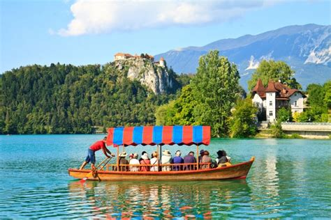 row boat to bled island lake bled slovenia holidays weekend a la carte