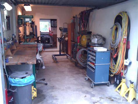 werkstatt in der garage meine garagen werkstatt und da rennt er wieder