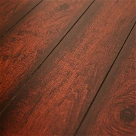 what is single plank laminate flooring