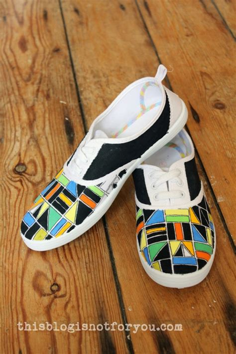 diy shoe painting refashion it painted shoes diy 1 this is not for you