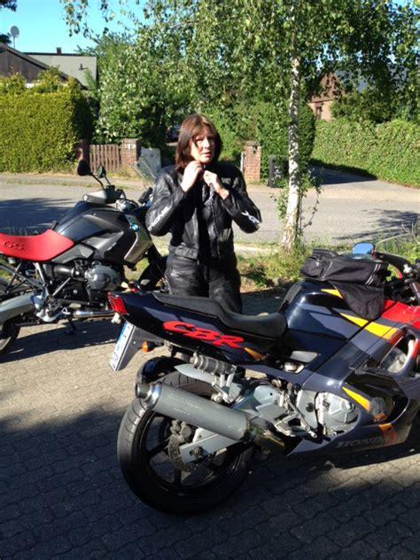 Frauen Und Motorradfahren by Frau Motorrad Eine Liebesgeschichte