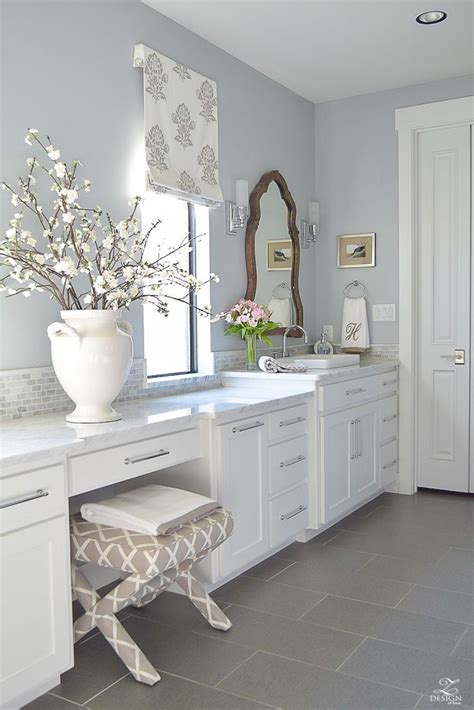 Bathroom Wall Colors With White Cabinets by Best 25 White Bathroom Cabinets Ideas On