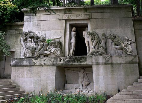 Contessa Chair Pere Lachaise Cemetery In Paris France The Most Famous