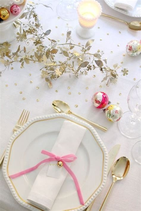 christmas place settings christmas place setting so pretty deck the halls