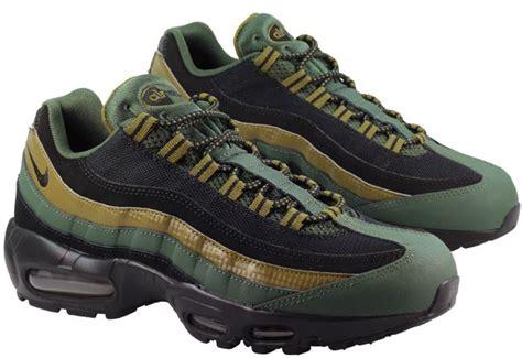 nike shoes mens air max 95 essential carbon green landau