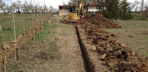piccoli escavatori da giardino scavi di vario genere
