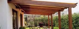 tettoie in legno chiuse tettoie in legno fai da te pergole e tettoie da giardino