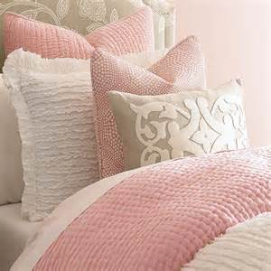 girls soft pink quilt