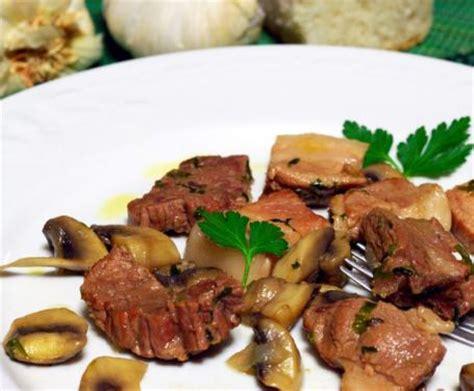 come cucinare bocconcini di vitello bocconcini di vitello ai funghi la ricetta per preparare