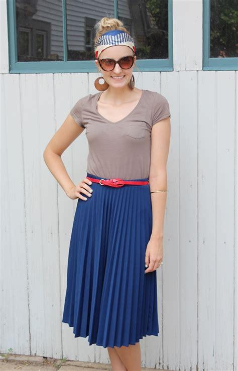12 stunning ways to wear pleated skirts