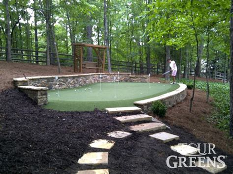 backyard greens best 20 backyard putting green ideas on pinterest