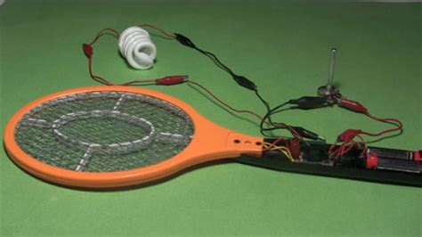 electric fly swatter resistor compact fluorescent light cfl powered by electric fly swatter