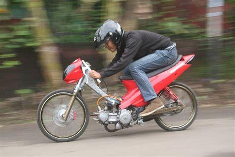 Isi Shogun 125rraxelo Copotan Motor modifikasi suzuki shogun 125 barsaxx speed concept