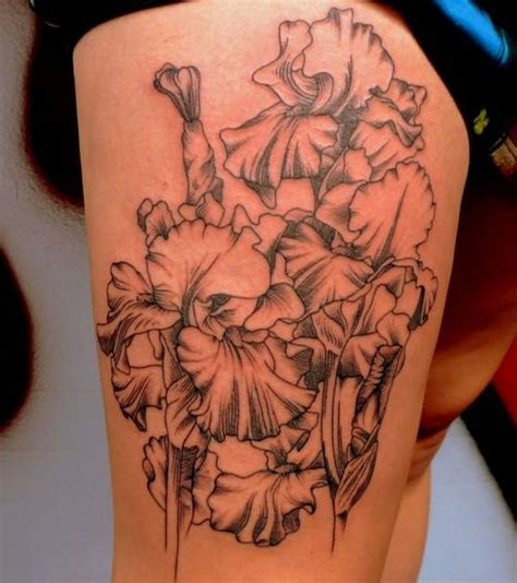 linear pattern tattoo linear flower tattoo design http tattooeve com flower