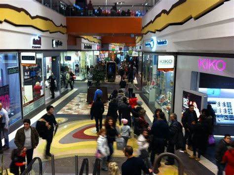 centro commerciale le terrazze la spezia negozi in giro per quot le terrazze quot con app