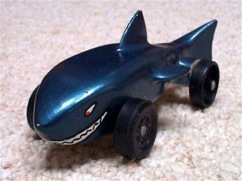 pinewood derby shark template build this pinewood derby shark car car design