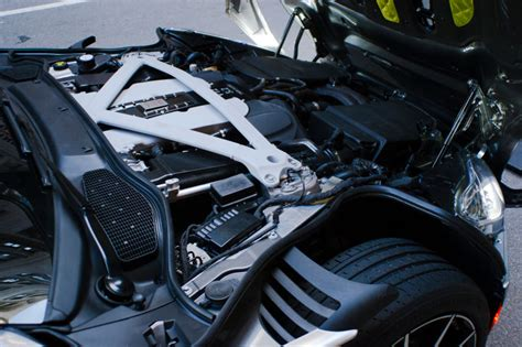 Aston Martin Engines by This Is The All New V12 Aston Martin Built Without Anybody