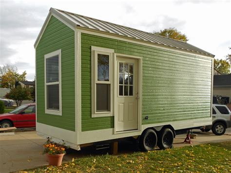 Small Homes That Can Be Moved Green Tiny House On Wheels For Sale Be On The Side Of