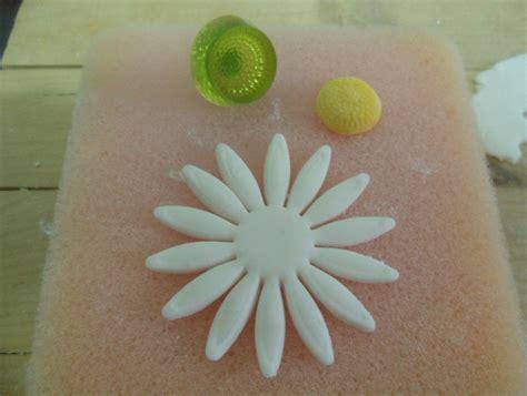 creare fiori con pasta di zucchero tutorial margherita pasta di zucchero