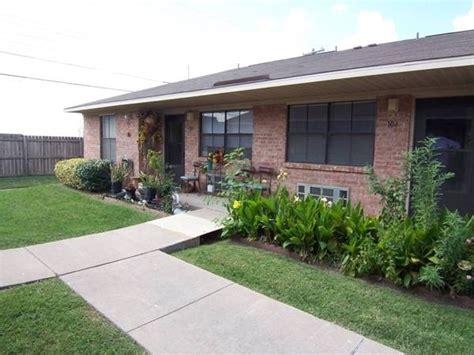 Senior Living Apartments Abilene Tx Carver Plaza Apartments Abilene Tx Apartment Finder