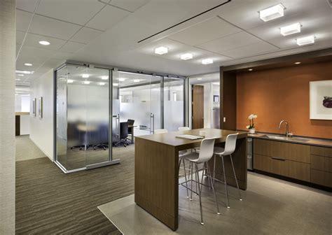 layout interior ruang kantor renovasi interior kantor