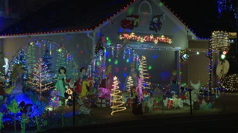 spokane couple spent 40 hrs creating holiday lights display
